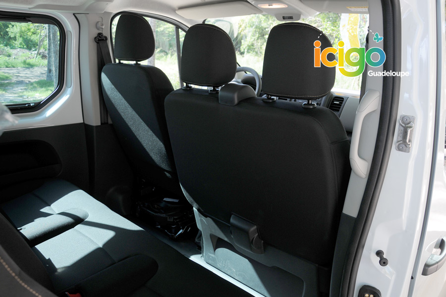 Click to enlarge image interieur-minibus.jpg