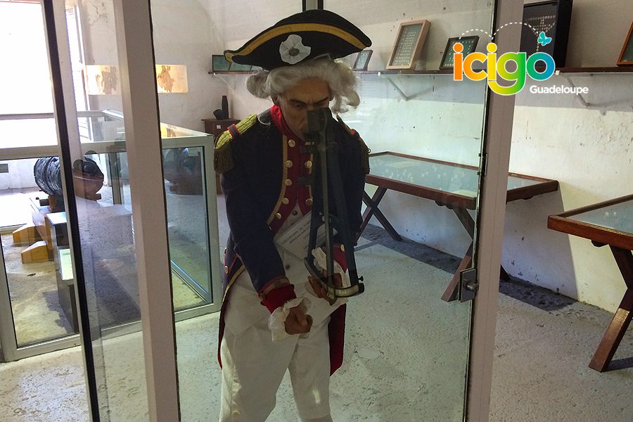 Click to enlarge image tenue-marin-ancien-musee-fort-napoleon.jpg